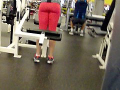 ass hunting at the gym 4
