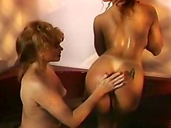 Porsche Lynn Loves to Classic Catfight