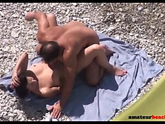 beach voyeur hidden cam expose couple having sex
